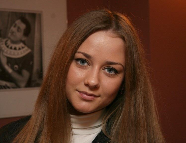 Секс фото без порно с Ингрид Олеринская можно посмотреть бесплатно на Starsru.ru