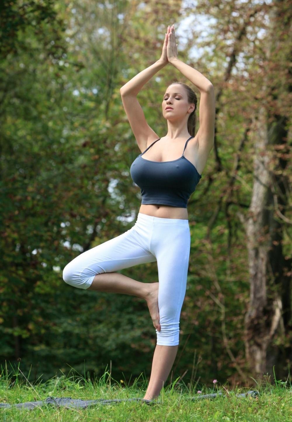 Yoga enthusiasts Melody Jordan  № 1606170 без смс