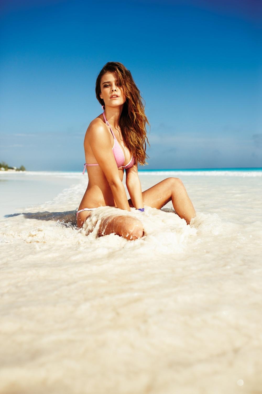 Как сделать красивое фото на пляже девушке