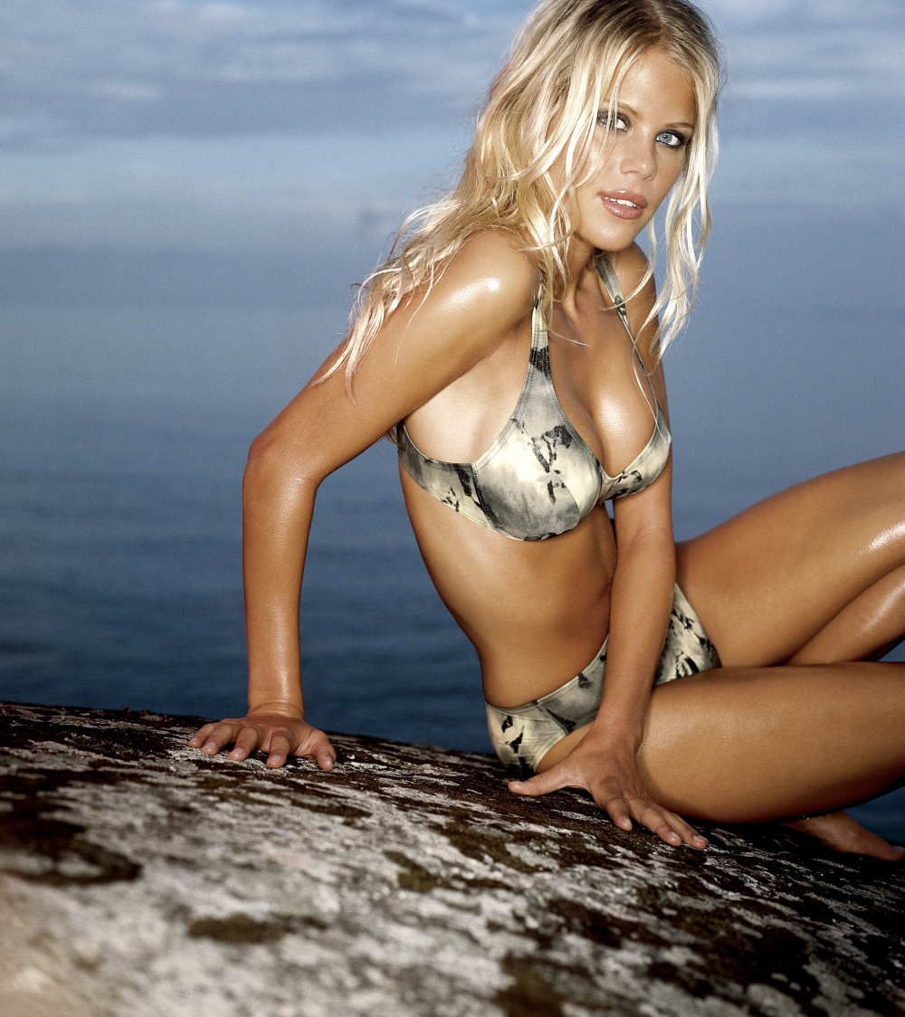 tiger woods wife nude pics  482829