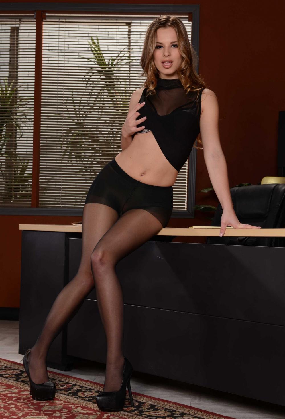 Luscious pornstar in black stockings Jillian Janson goes interracial hardcore № 165624 без смс