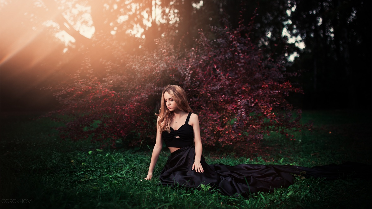 Фото марьяны в красном платье