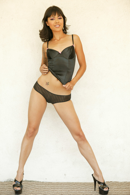 Hot Asian model Dana Vespoli strips off her red lingerie before masturbating № 636391  скачать