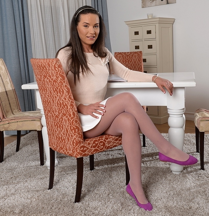 Pretty teen in stockings Nataly Gold gets her love holes drilled hardcore № 552416 без смс