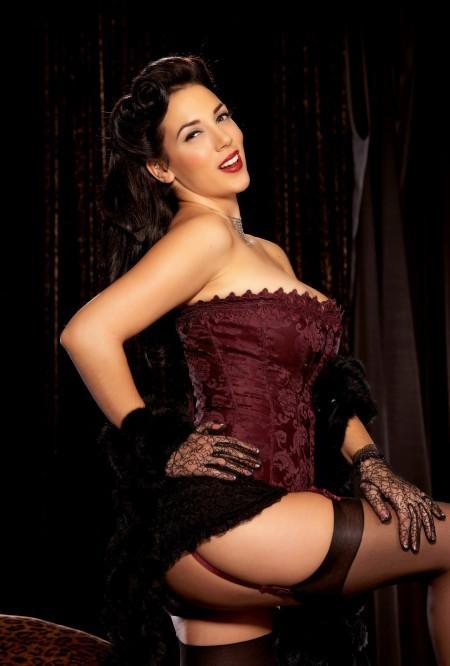 Hot busty package Jelena Jensen doffs her black lingerie to rub her horny twat  1570689