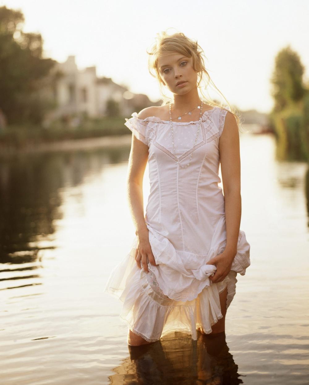 Самая красивая девушка без одежды 17 фотография