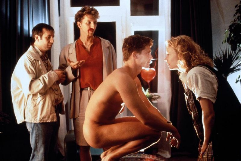 den-bez-molodosti-film-porno