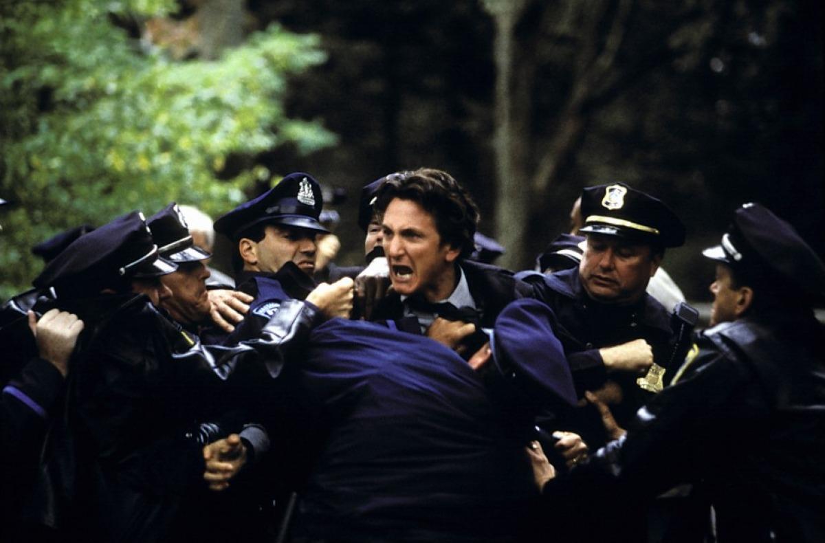 Таинственная река 2003  фильм