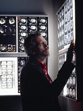 Доктор Хаус 2004 кадры
