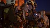 Между двух огней смотреть онлайн HD 720