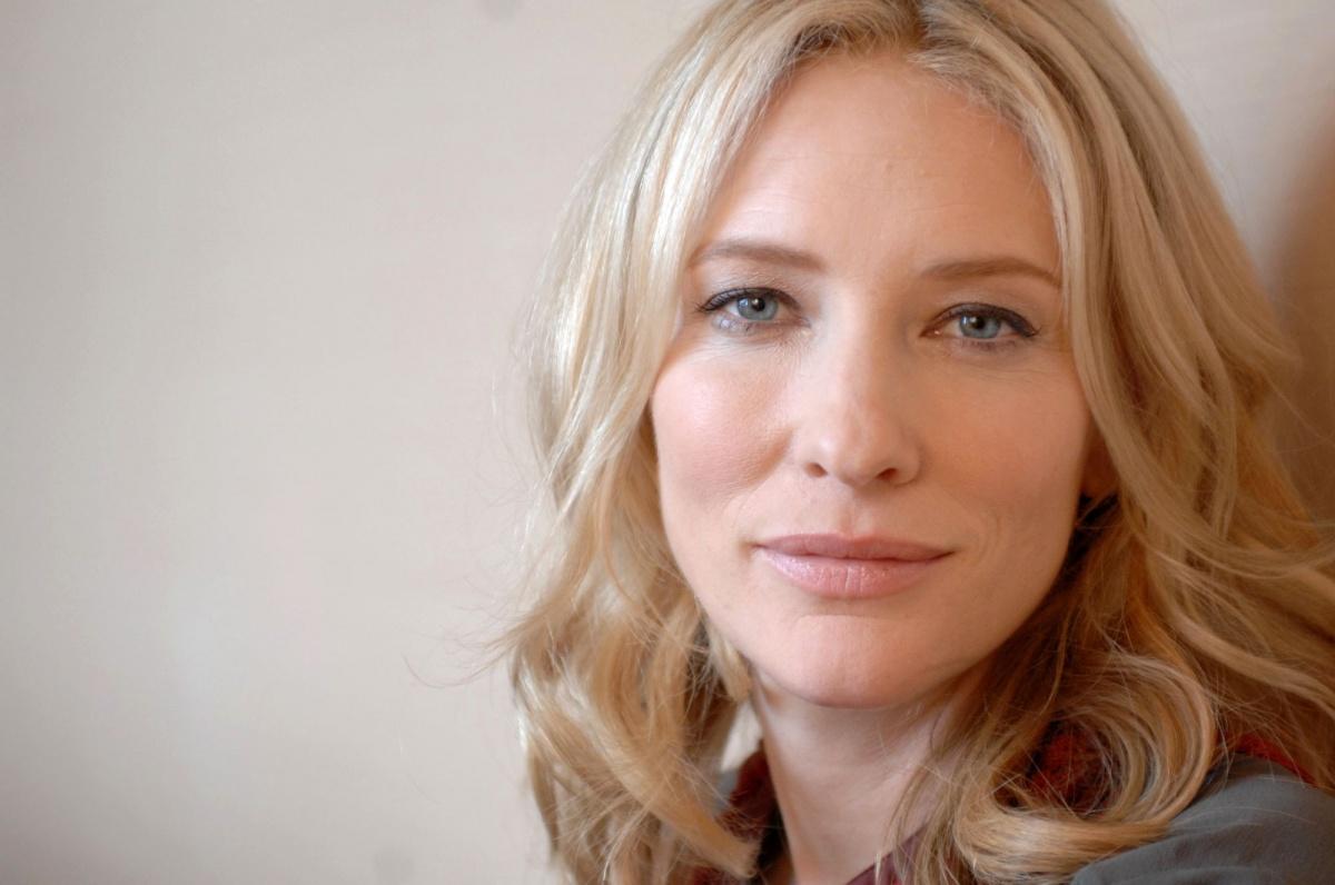 https://st.kp.yandex.net/im/kadr/1/0/7/kinopoisk.ru-Cate-Blanchett-1073879.jpg