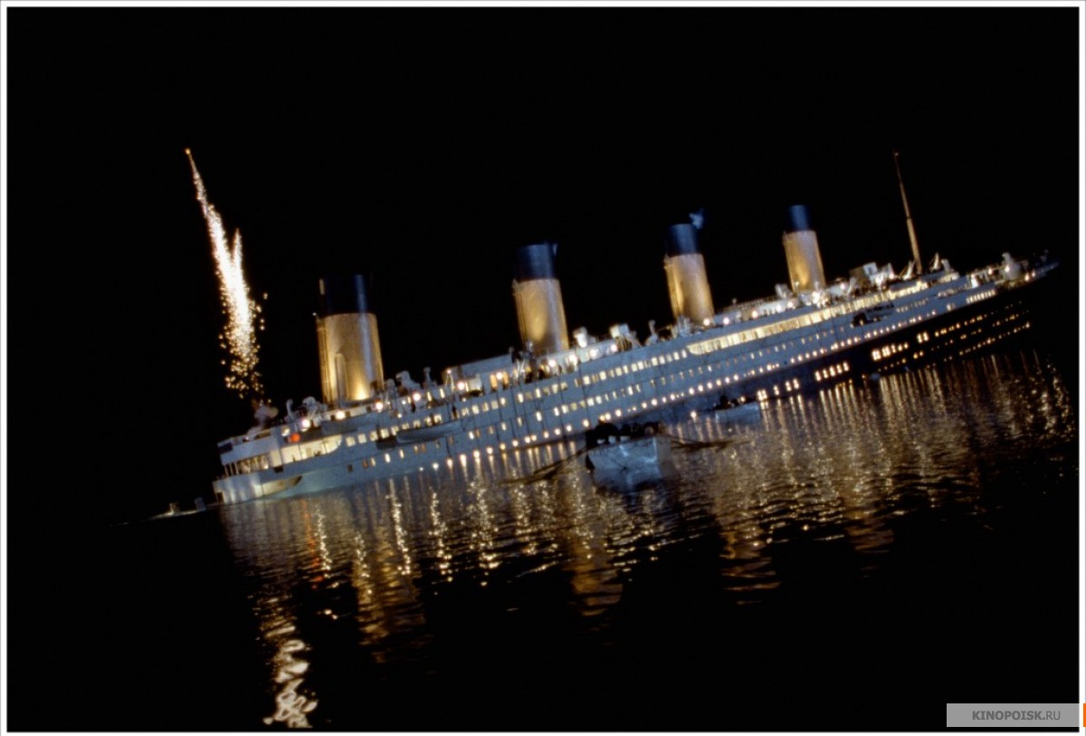 the details of events that led to the sinking of the titanic in 1912