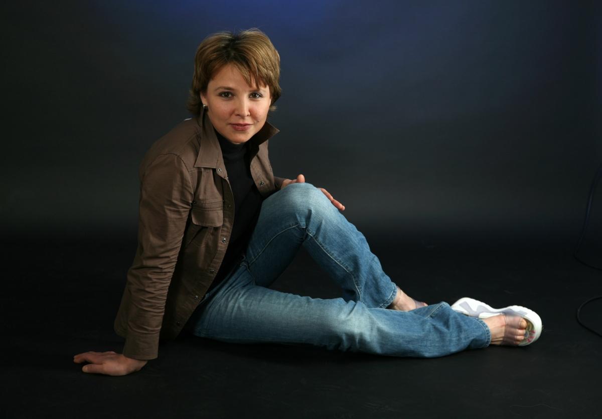 сделать актриса лариса павлова фото чтобы стол шатался