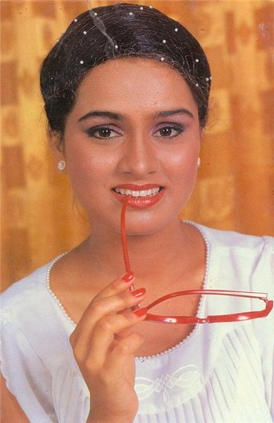 padmini kolhapure biography in hindi