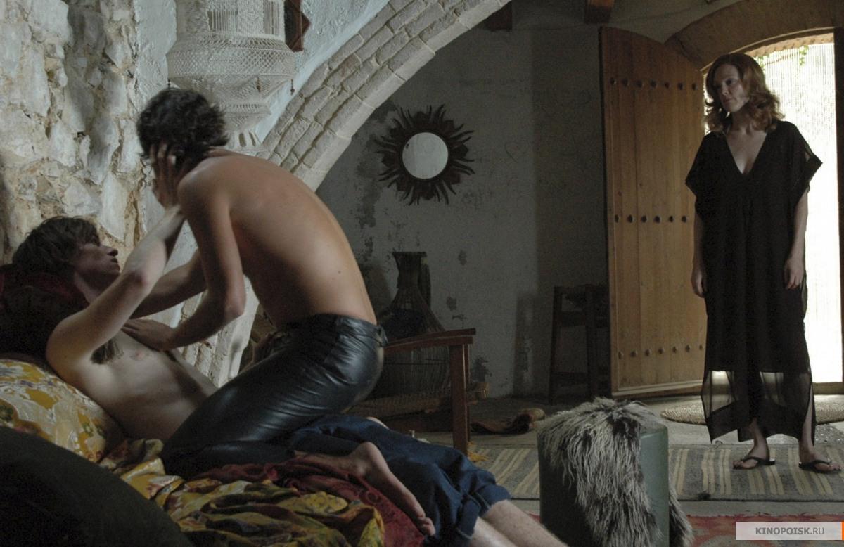 Художественных фильмов испания эротика