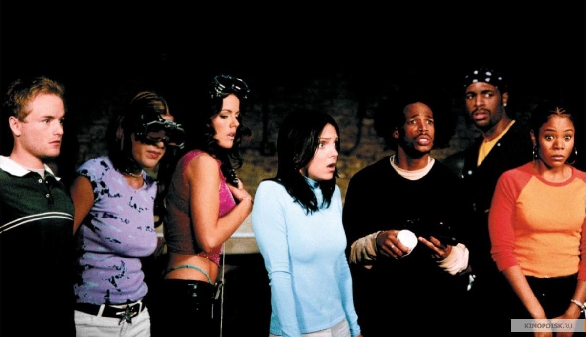 кадр №1 из фильма Очень страшное кино 2 (2001)