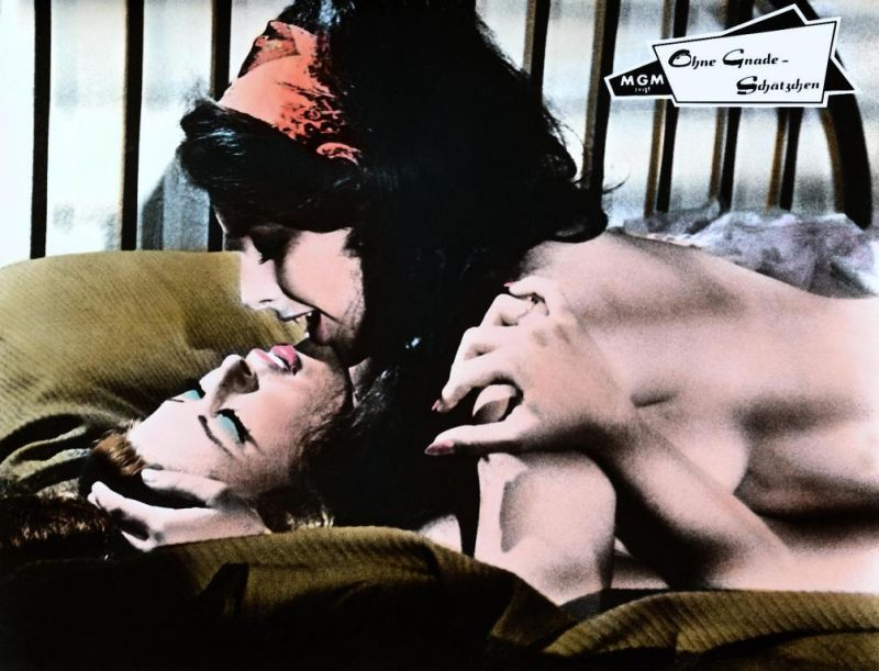 Порно фильм в жарких объятиях ушла