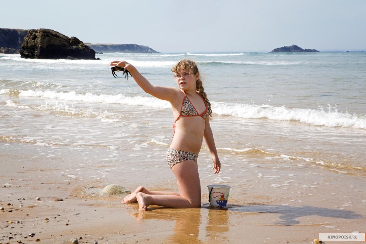 miley cyrus bikini shots