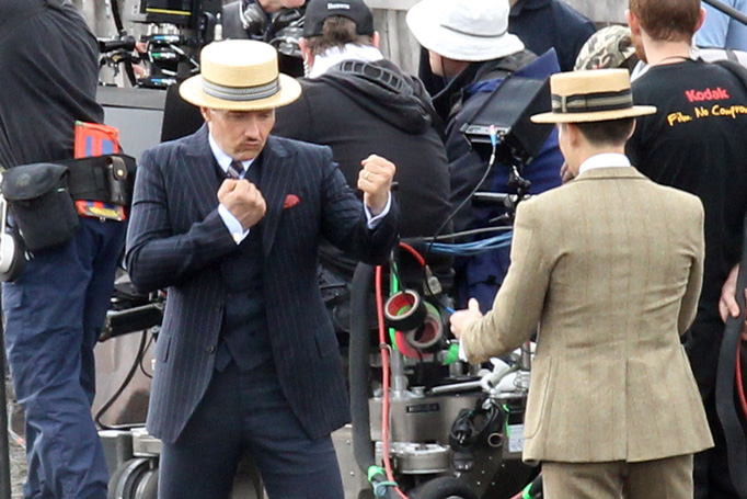 essays great gatsby tom buchanan In the great gatsby, the two characters tom buchanan and jay gatsby, at first glance, do not seem to have anything that is similar between the two as the story goes on you become aware of their similarities however, they aren't all that similar so they have their differences.