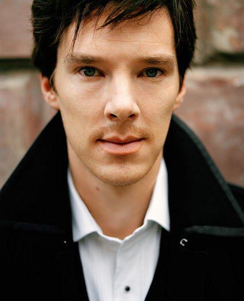 http://www.kinopoisk.ru/im/kadr/1/7/6/kinopoisk.ru-Benedict-Cumberbatch-1768144.jpg