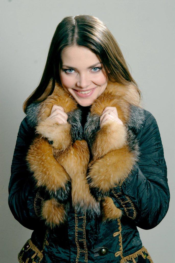 Елизавета Боярская обнажилась перед фотокамерой и с удовольствием попозировала