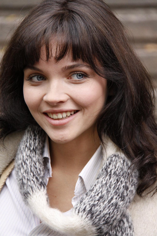 Наталья Земцова в образе распутной девочки. Голая и бесстыжая