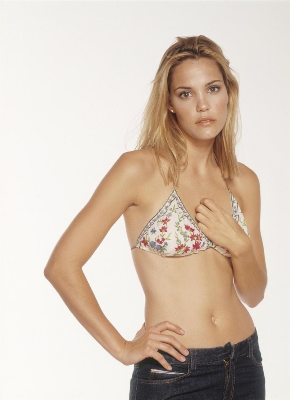 Leslie bibb bikini pics