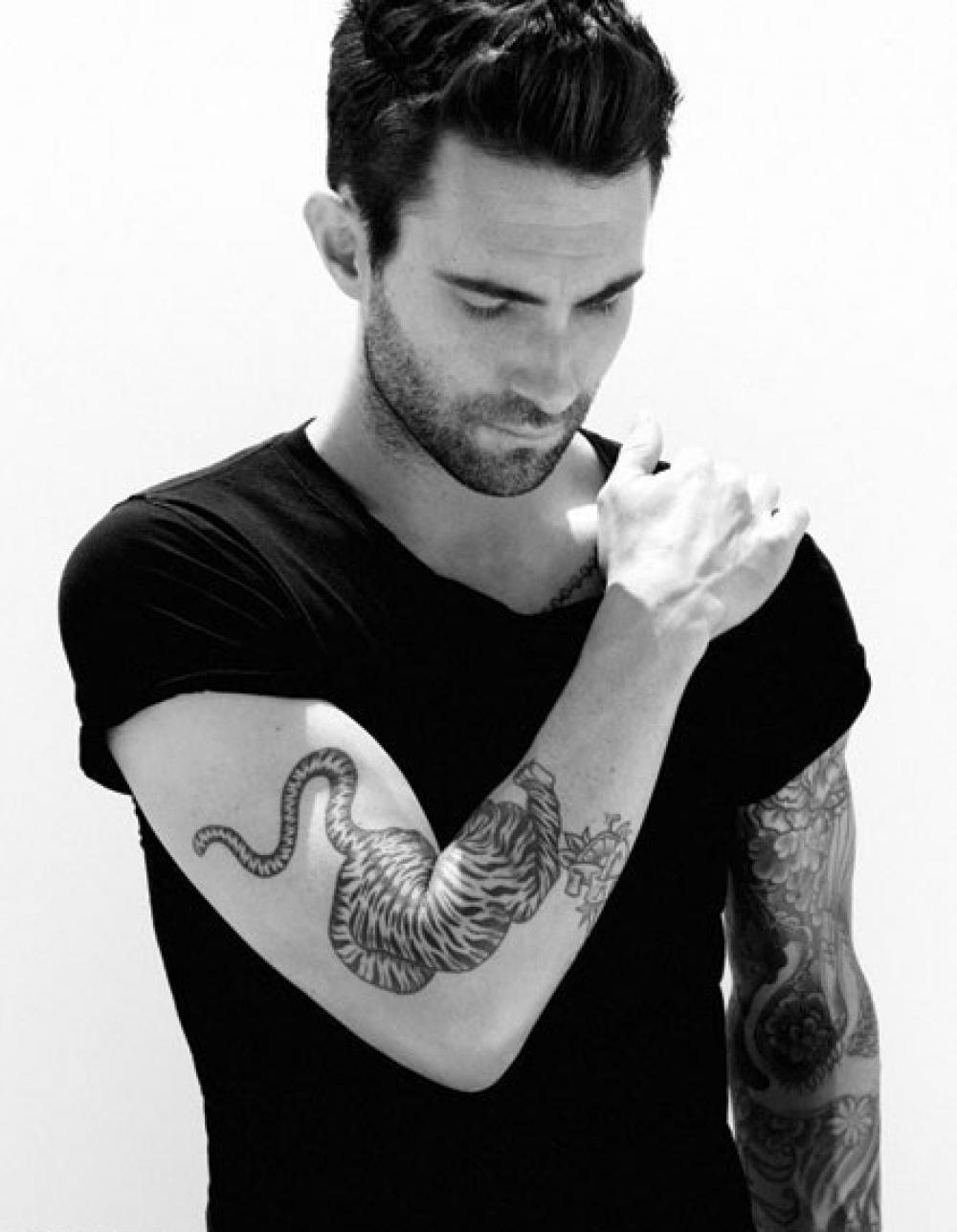 adam levine tattoos - HD1000×1288