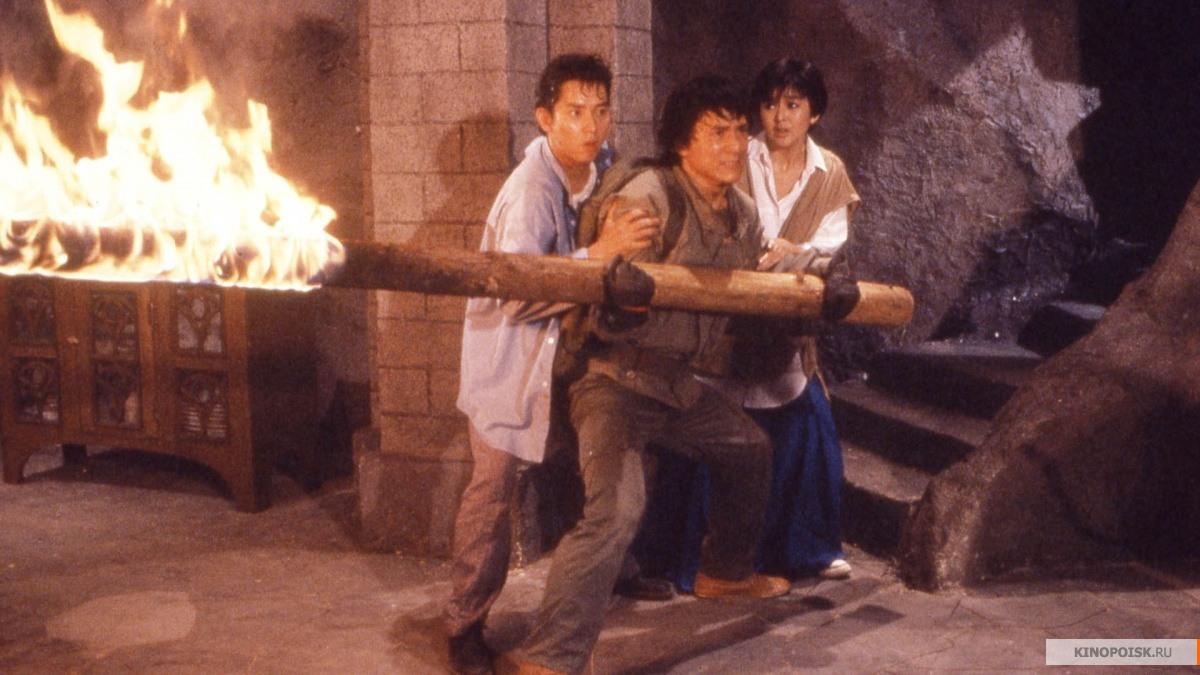 кадр №2 из фильма Доспехи бога (1986)