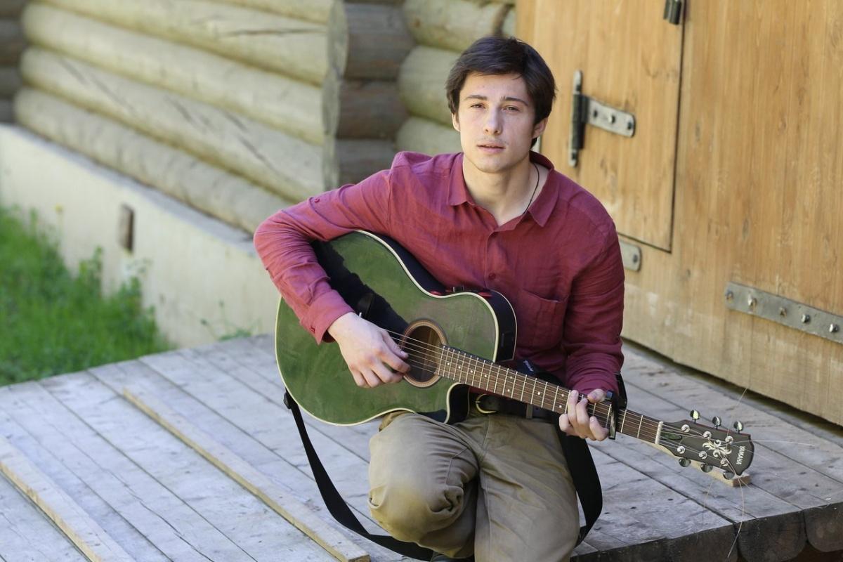 денис береснев вокал гитара автор фото много