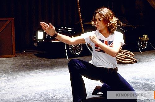 кадр №2 из фильма Ангелы Чарли 2: Только вперед (2003)