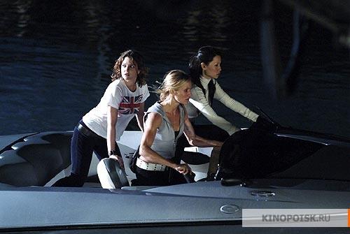 кадр №1 из фильма Ангелы Чарли 2: Только вперед (2003)