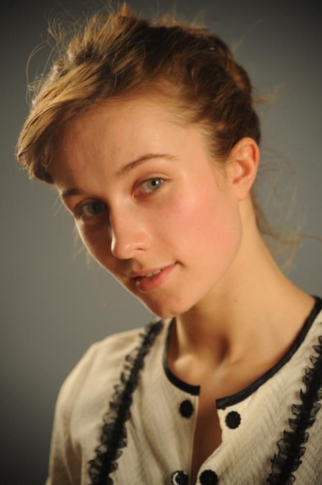 Голая Кристина Казинская (актриса) видно её сиськи, попку и киску