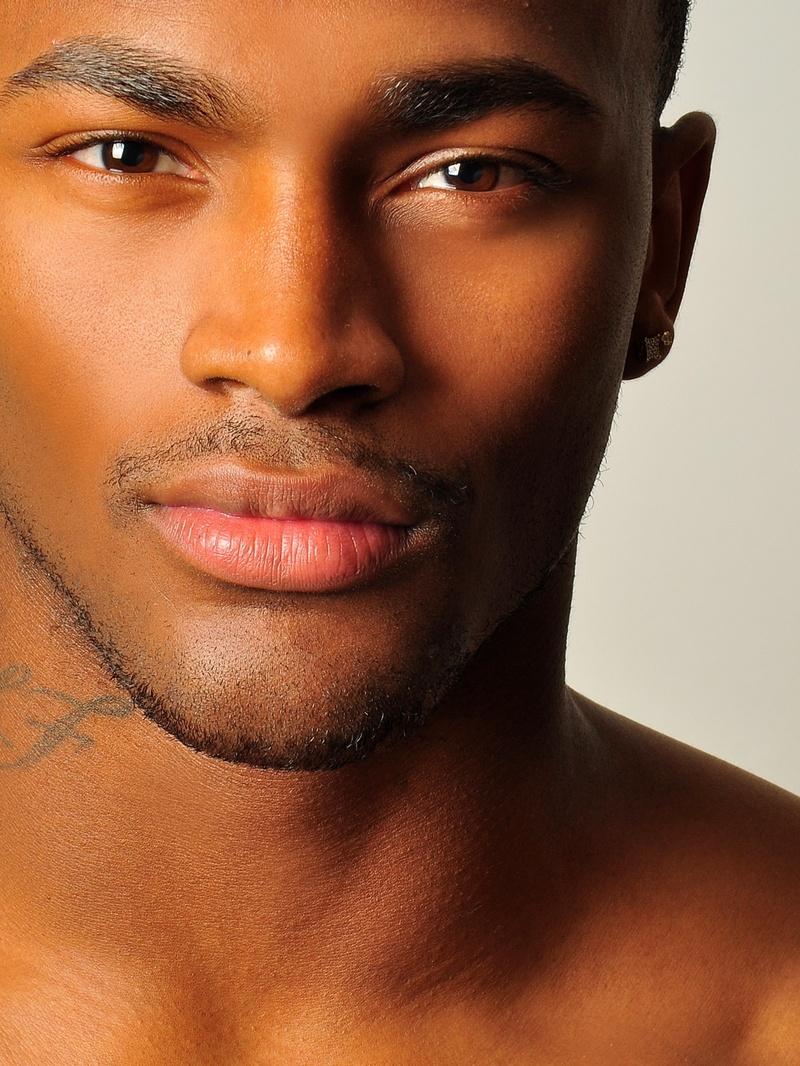 лужкова также темнокожие модели мужчины фото этим старинным