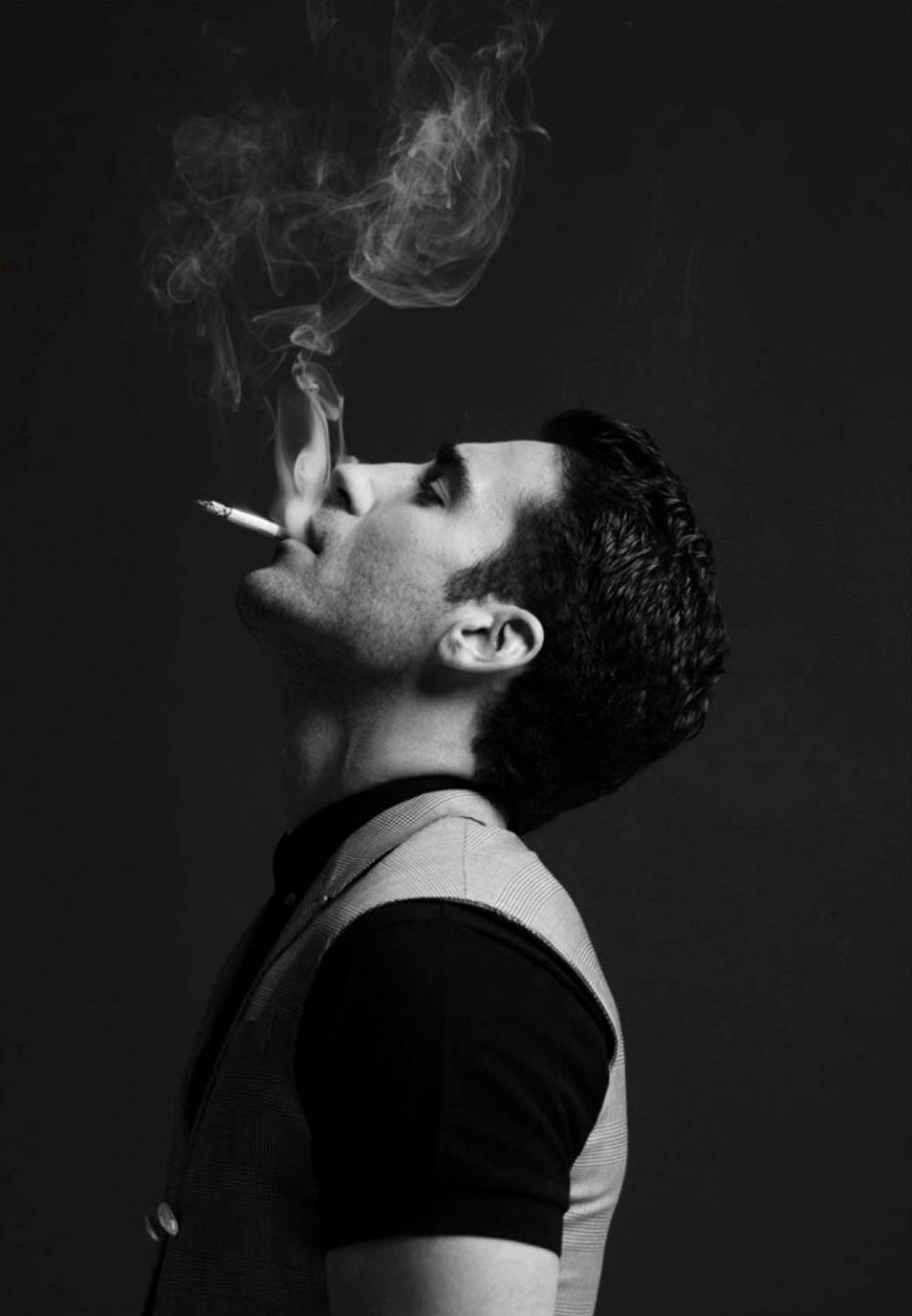 фото с сигаретой на аву парень