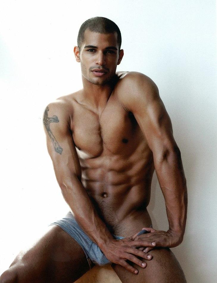 Gay Garden - photos of young nude boys