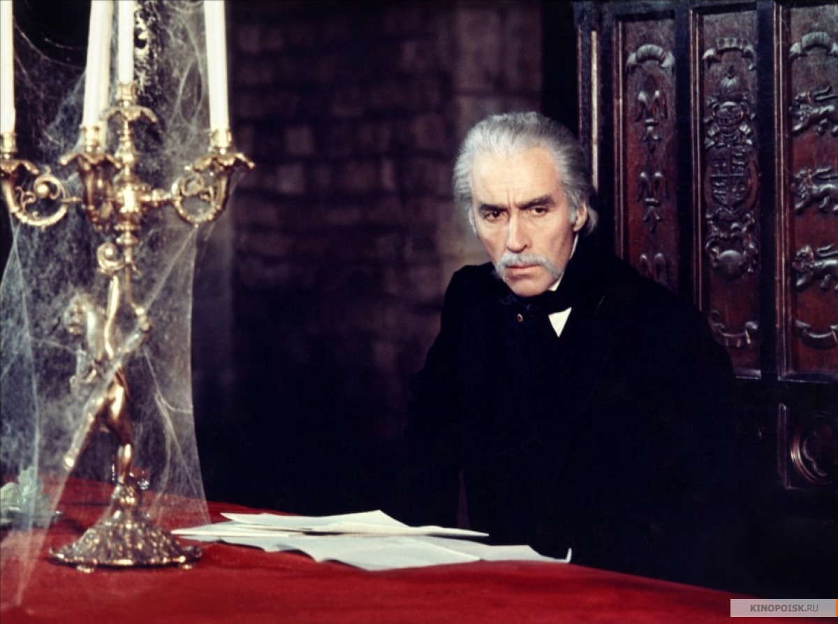 franco moretti a capital dracula A look at the critical reception of dracula the 1970s and 1980s examining the bioa look at the critical reception 45 moretti, franco &quotdracula and.