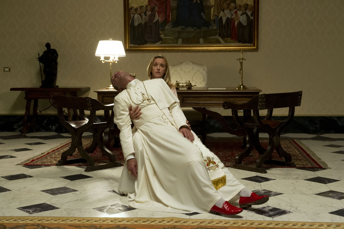 Картинки по запросу кадры из молодой папа