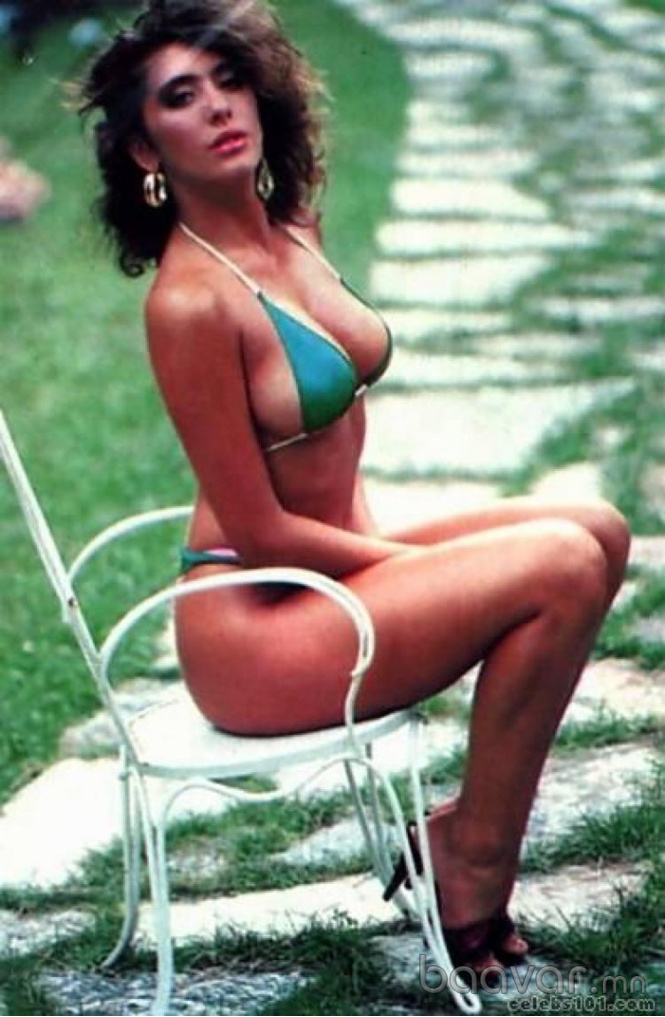 sabrina-ferilli-young-nude-diane-lane-sexy-picture