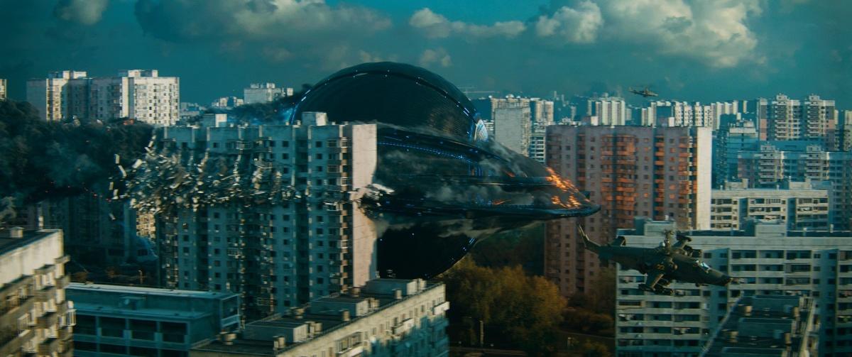 кадр из фильма Притяжение