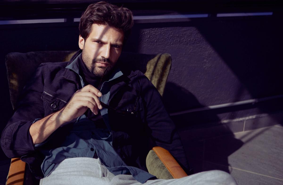 каан урганджиоглу фото турецкий актер личная жизнь характеристиках, комплектации, внешнем
