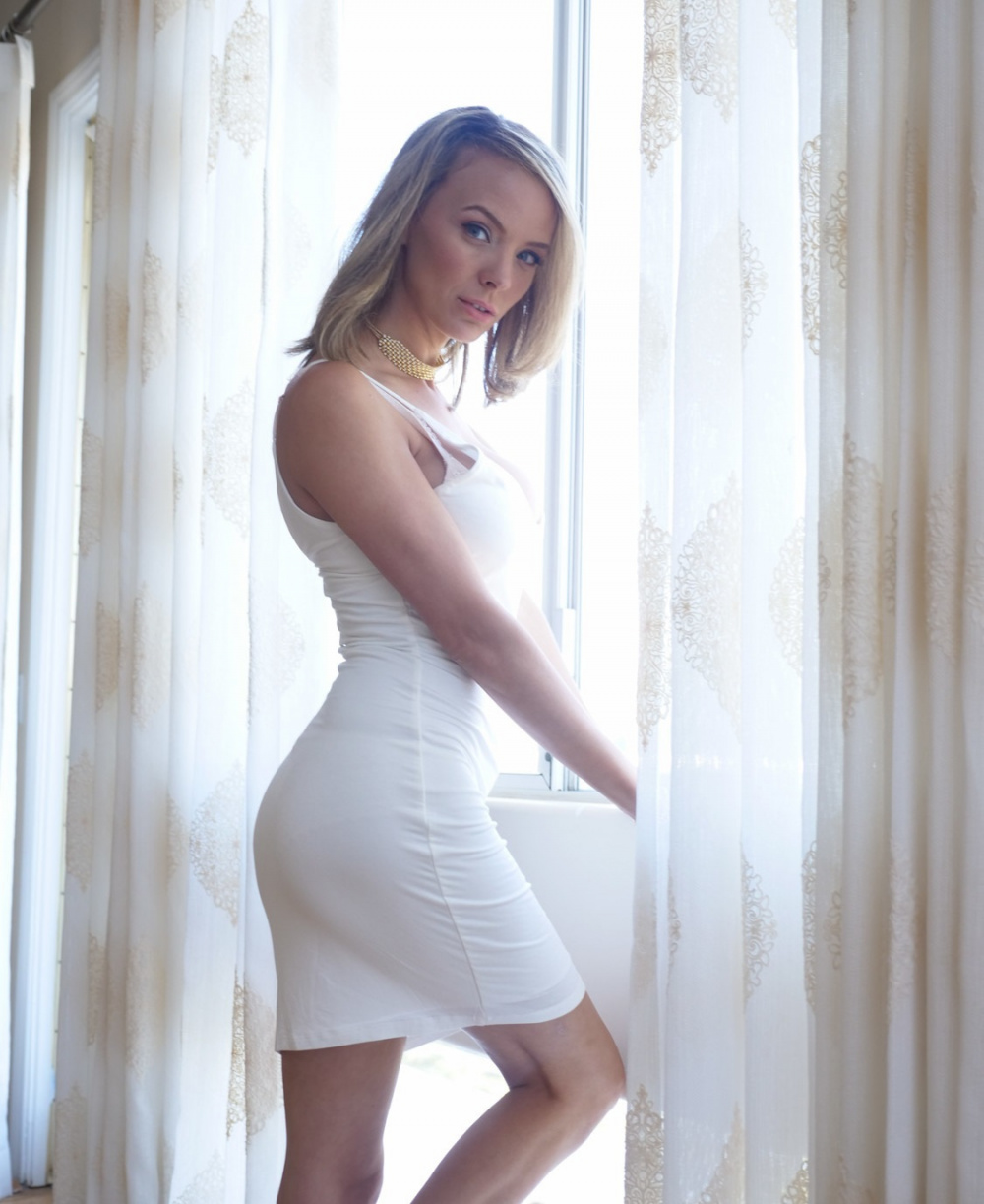 Natalie Gregory Nude Photos 17