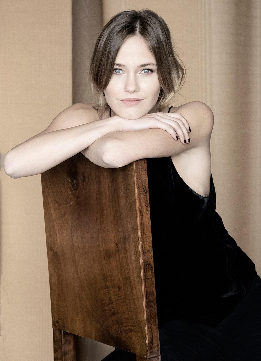 Лусия хиль фото актриса испания вернулись менее