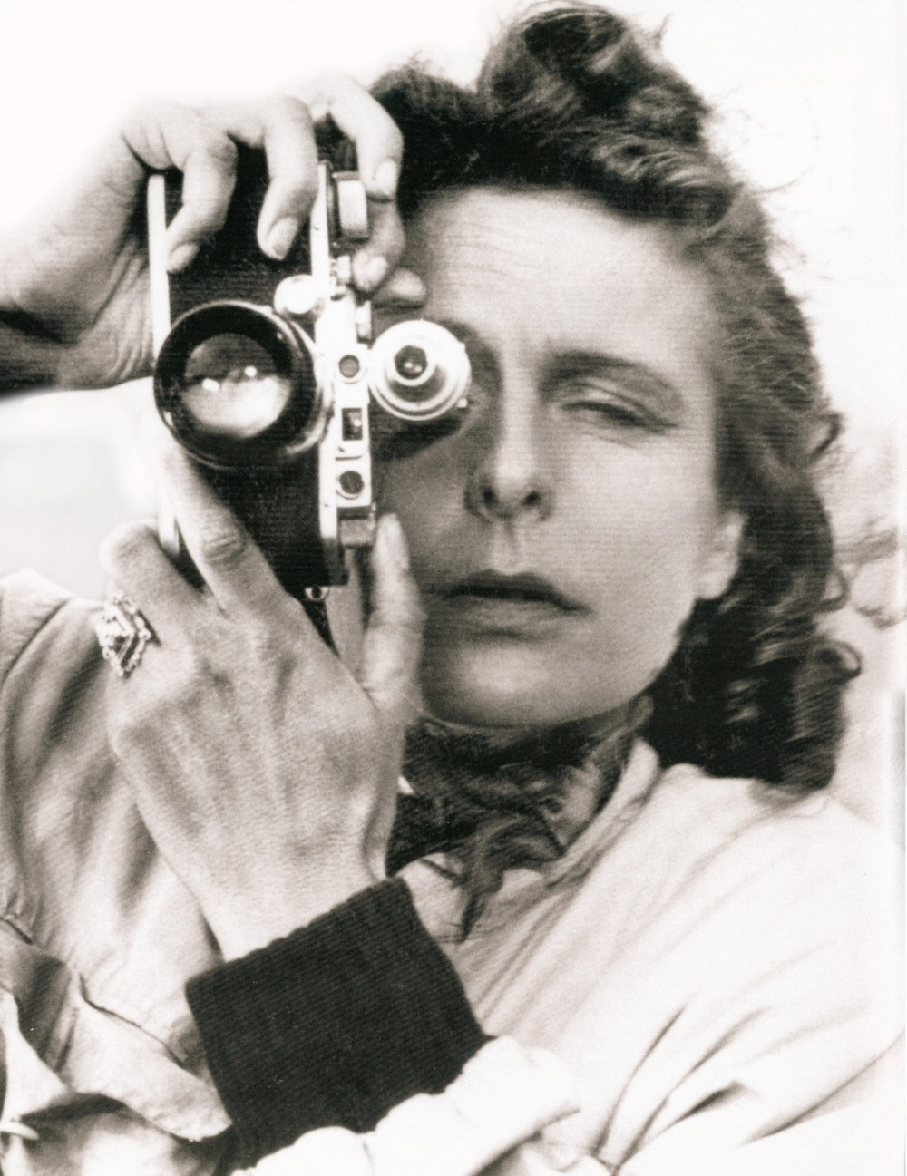 https://st.kp.yandex.net/im/kadr/5/7/5/kinopoisk.ru-Leni-Riefenstahl-575148.jpg
