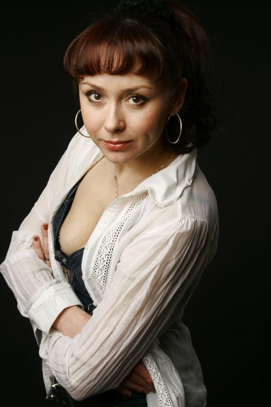 golaya-porno-foto-yuliya-pomortseva-sam-bolshe-grudi-seks