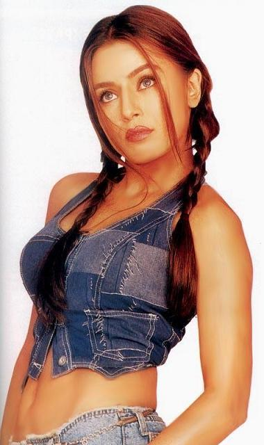mahima chaudhry age