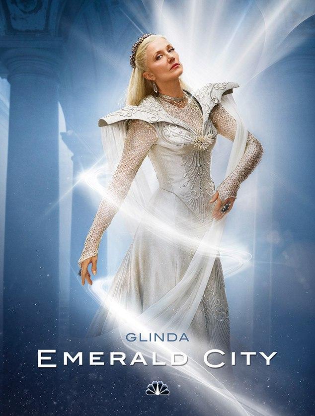 https://st.kp.yandex.net/im/poster/2/7/8/kinopoisk.ru-Emerald-City-2788774.jpg
