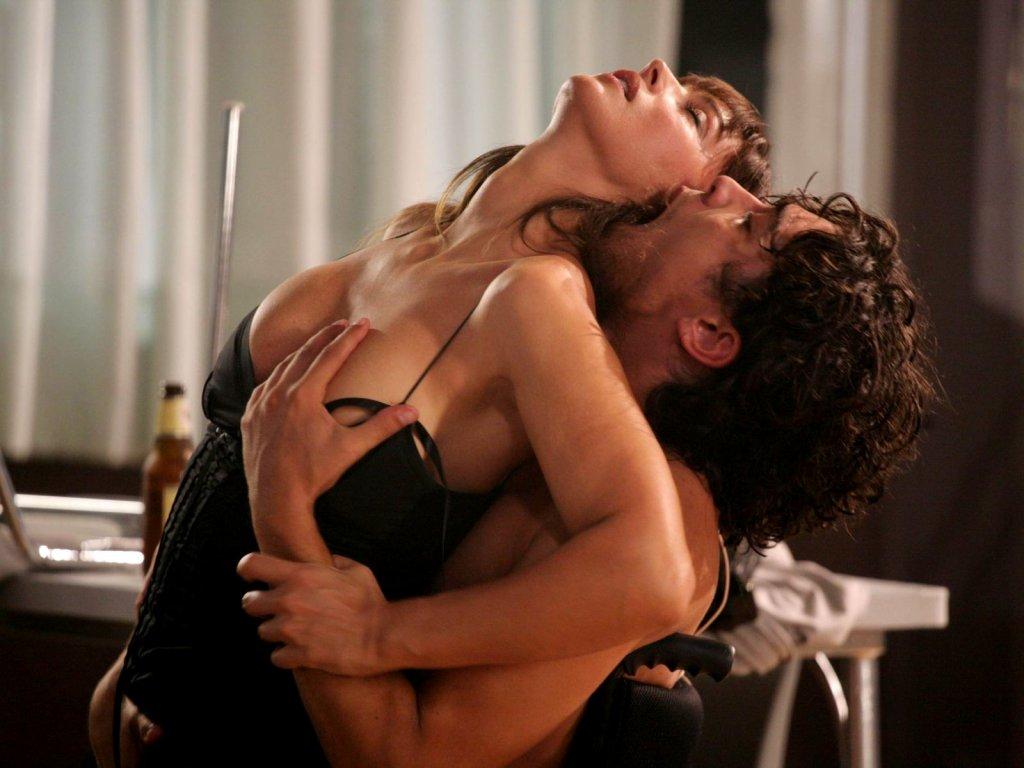 smotret-onlayn-strastniy-eroticheskiy-seks