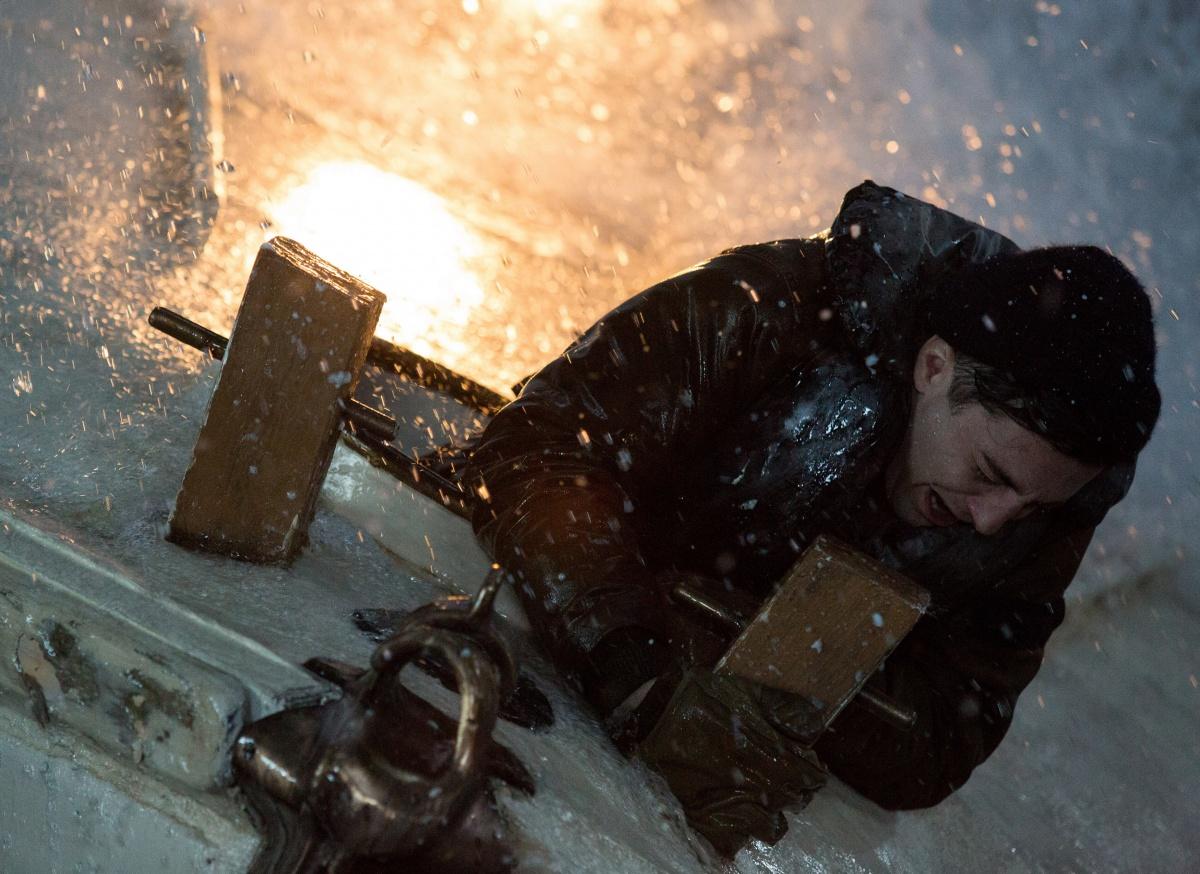 Кадр И грянул шторм - фильм триллер смотреть онлайн