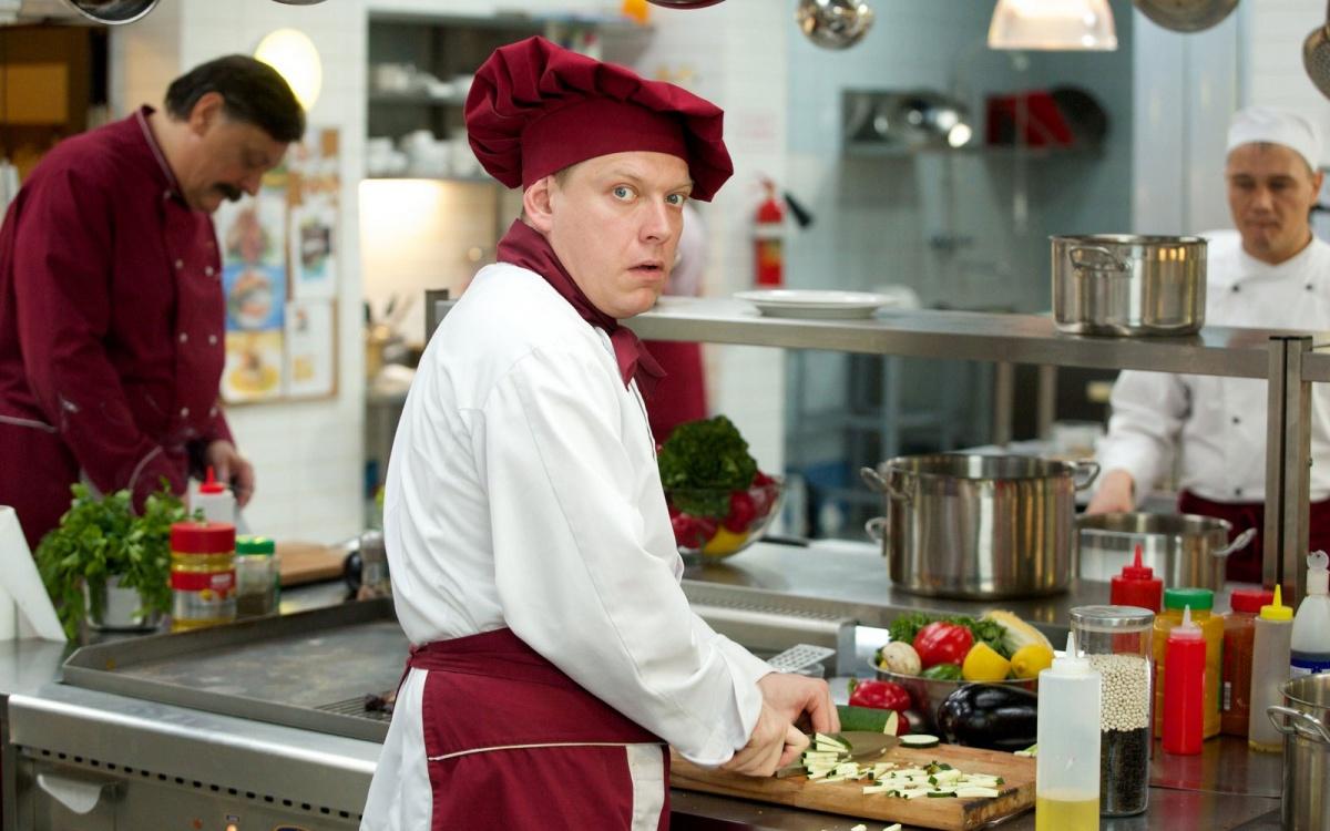 Катя дает на кухне в попу 6 фотография